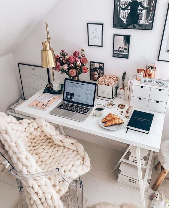 Making Spring Cleaning Look Good: Office Organisation