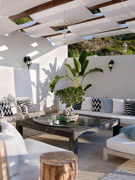 Outdoor Living Mediterranean Style