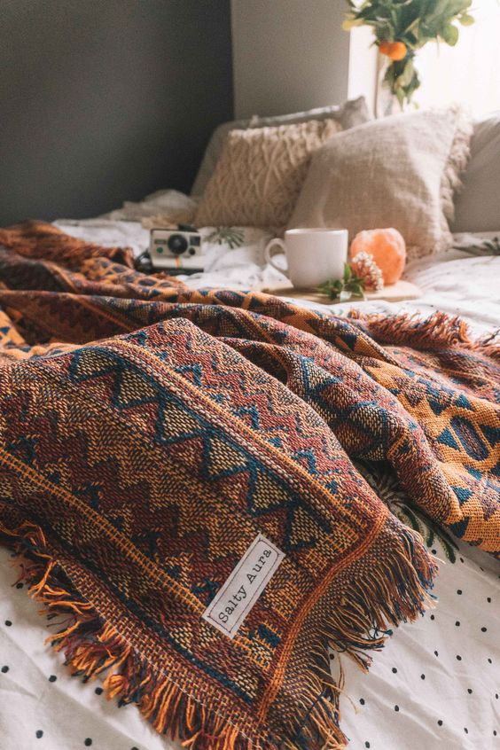 Fall Pinterest Favourite Pins - Salty Aura rugs and blankets